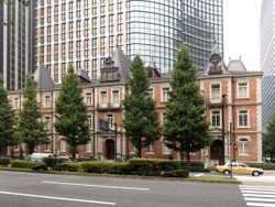 Tokyo_mitsubishi2