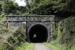 Usui_tunnel04